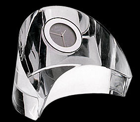 Эксклюзивные  часы  в стекле оригинальной формы