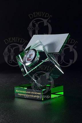 Настольный бизнес-сувенир из стекла с корпоративными часиками, фото 2