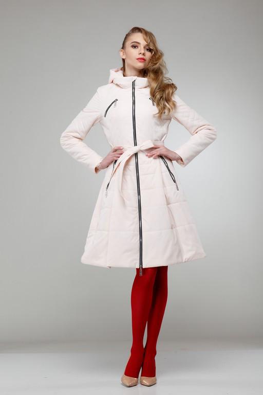 Женское пальто светлое на плащевке расклешенное приталенное весна-осень 2018, размер 42-50
