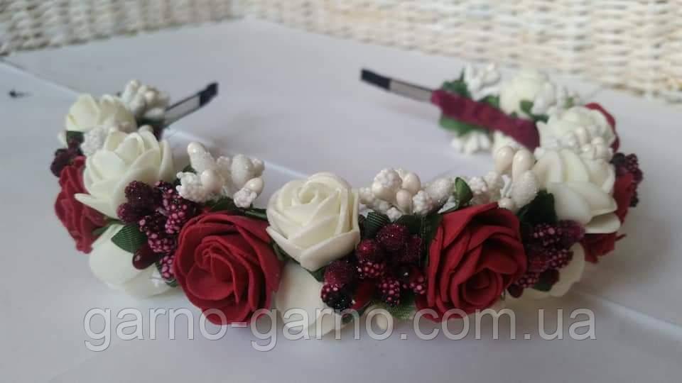 Обруч для волос молочно-бордовый с цветами из фоамирана