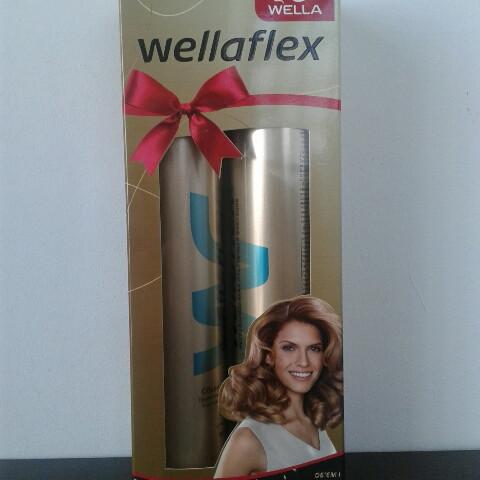 Набор лак+мусс для волос Wellaflex (Велла объем и востановление фиксация №5 )