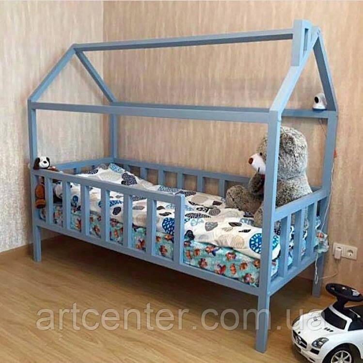 Кроватка-домик голубого цвета на ножках
