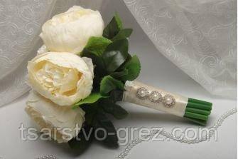 Свадебный букет из искусственных цветов айвори