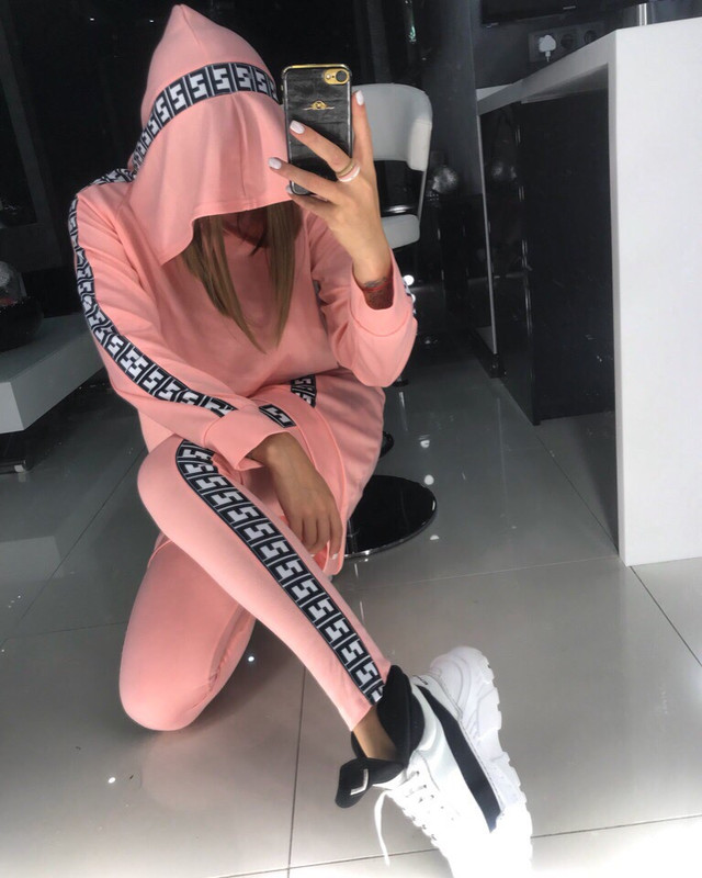 женский теплый костюм