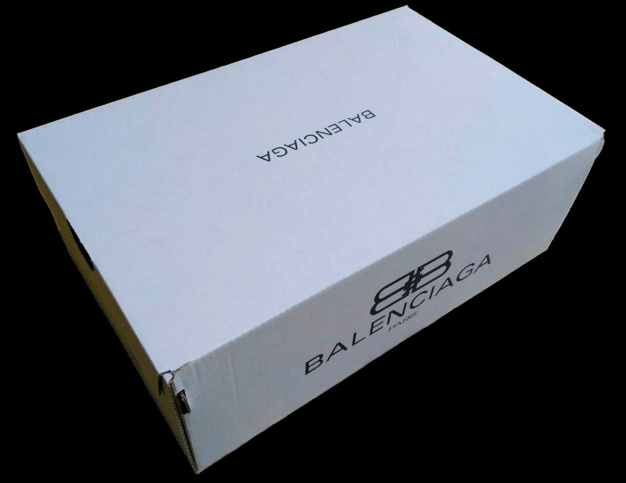 Коробка Balenciaga белого цвета картон Т23