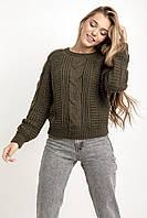 Красивый вязанный женский свитер