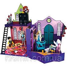 Складається ігровий набір Monster High Старша Школа Монстер Хай