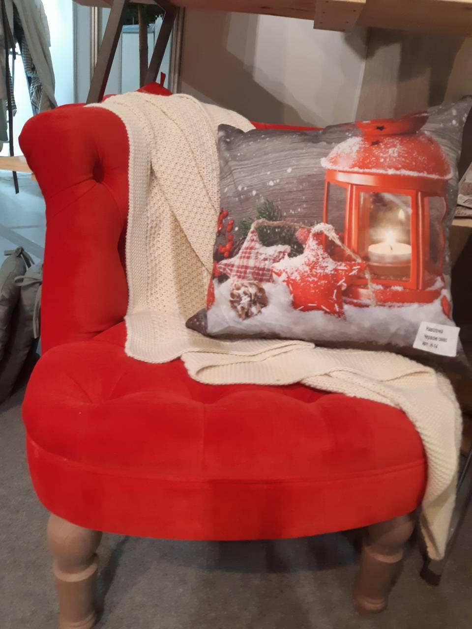 Кресло велюровое красное