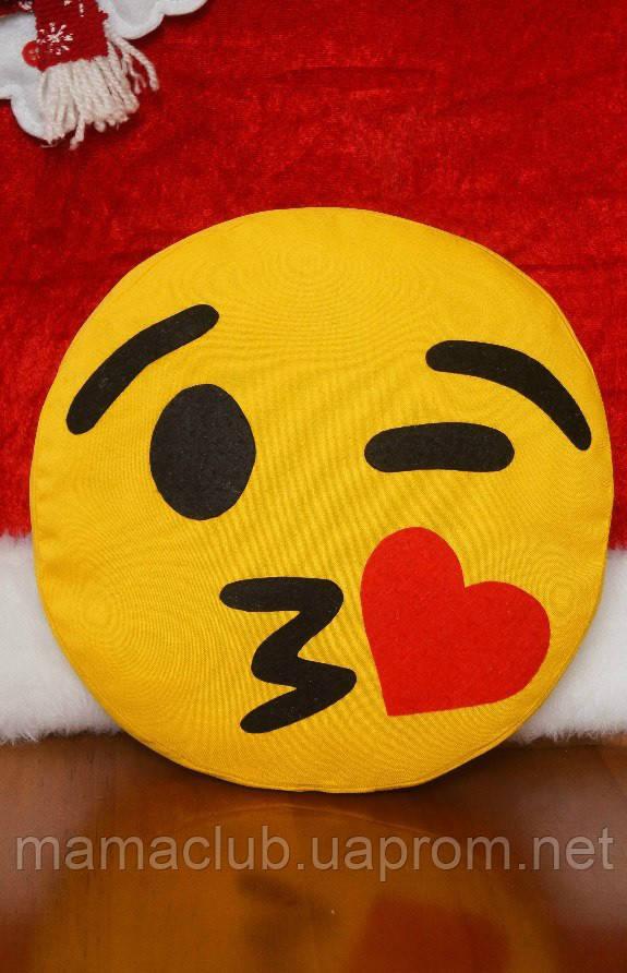 Подушка-смайлик Emoji #3 Влюбленный моргунчик