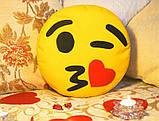 Подушка-смайлик Emoji #3 Влюбленный моргунчик, фото 3