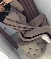"""Женский спортивный костюм-двойка """"Lovely"""": кофта с капюшоном и штаны с лампасами, капучино-черный"""