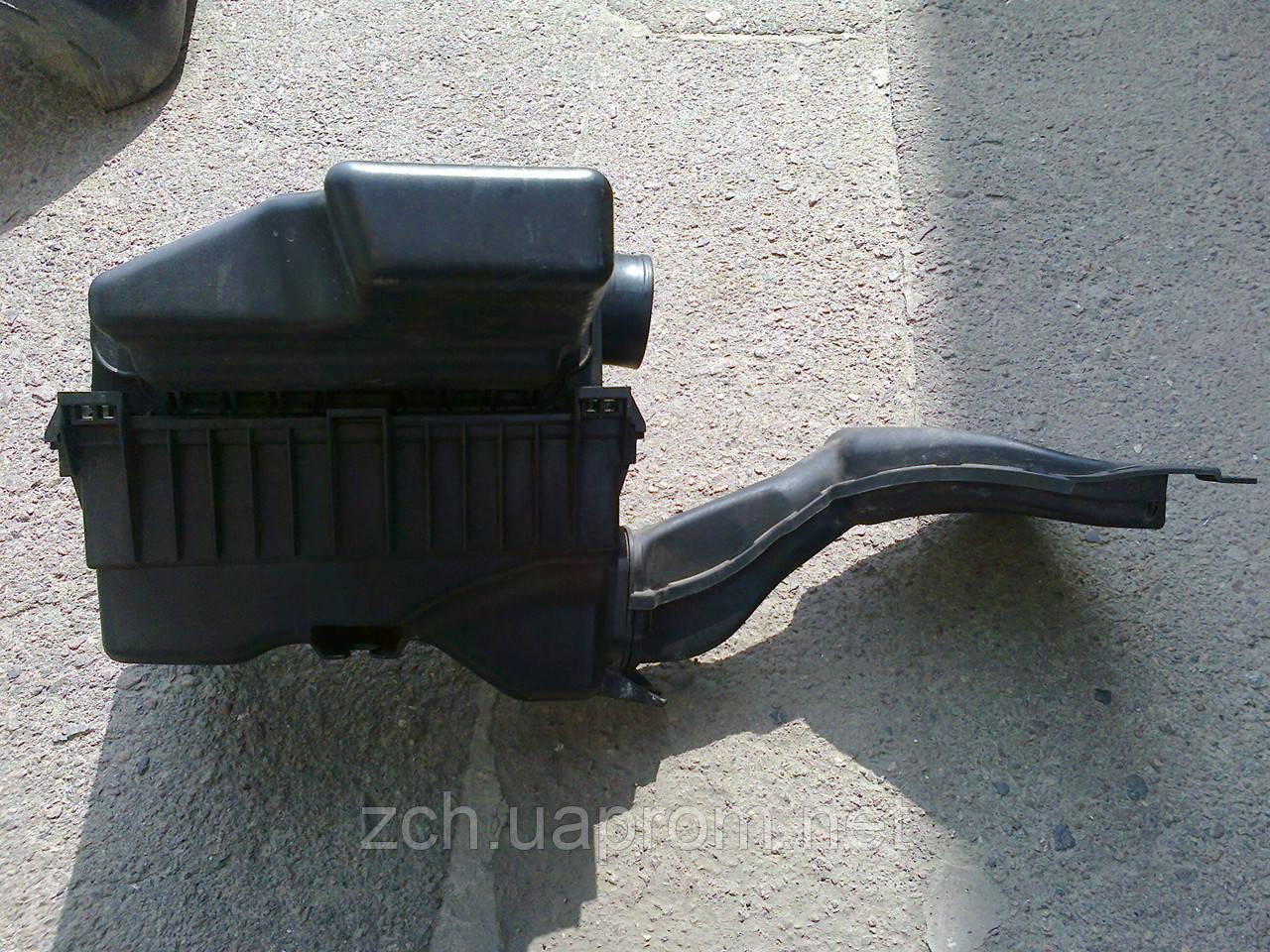 Корпус воздушного фильтра Mitsubishi Colt 1,3