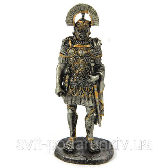 Статуэтка римского полководца