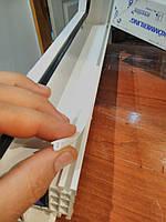 Защита оконного паза от пыли