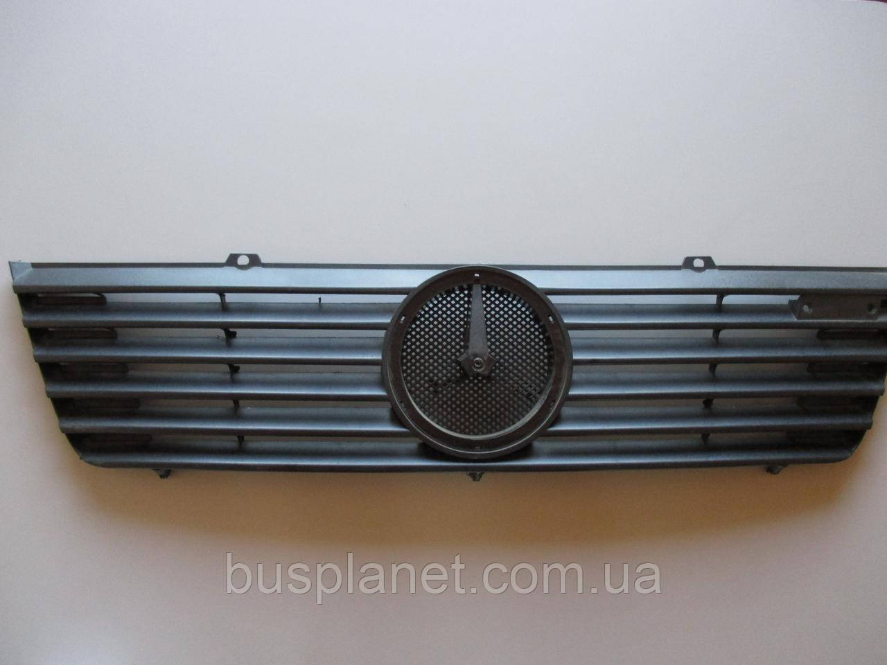 Решетка радиатора Mercedes Sprinter TDI