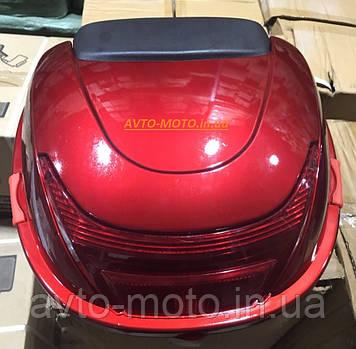Кофр багажник красный пластиковый с шлемом