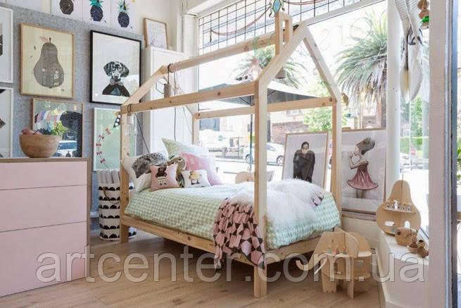 Кроватка-домик на ножках, натуральное дерево