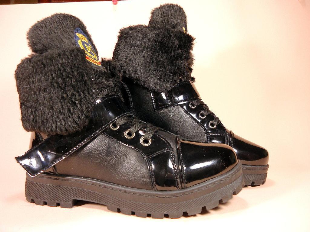 b196eb63 Ботинки женские, зимние, черные, на шнуровке с липучкой. Размер 36 ...