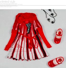 Распродажа! Праздничное вязаное платье для девочки ниже закупки