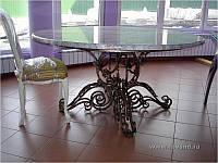 Кованый столик с дерева