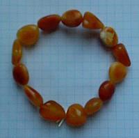 Браслет натуральный цельный природный янтарь королевский галтовка