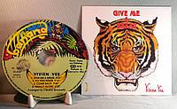 CD диск Vivien Vee - Give Me A Break