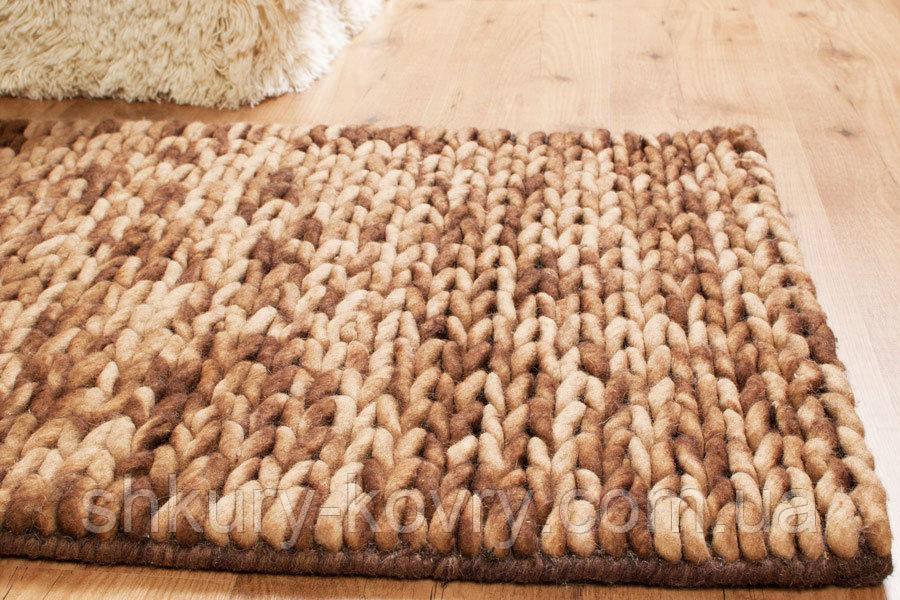 красивый вязаный ковер из шерсти бежево коричневый меланж ручной