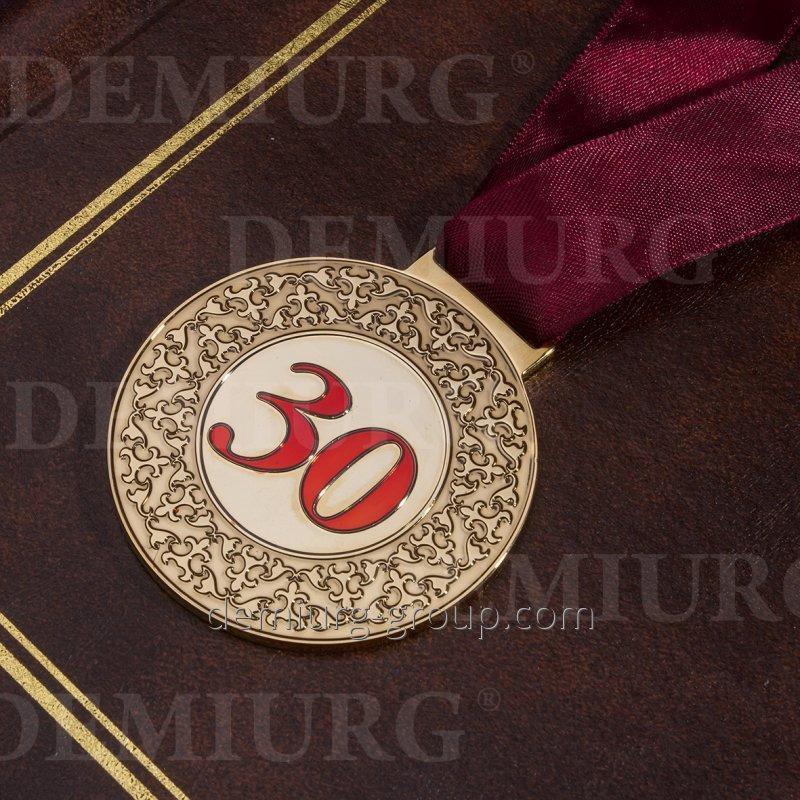"""Юбилейная медаль с орнаментом """"30"""""""