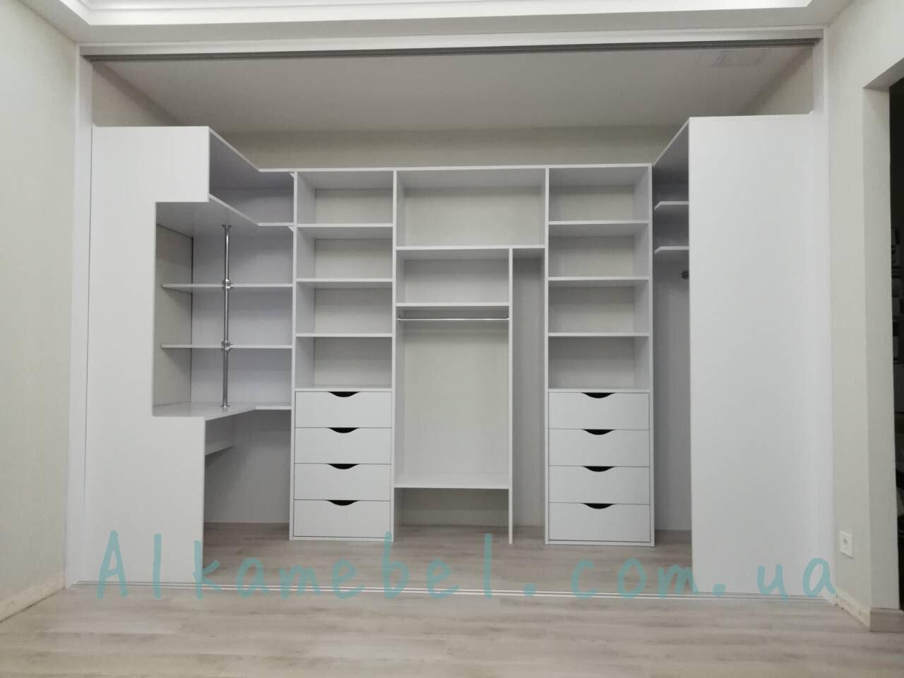 Шкаф купе в гардеробную с дверями купе. Гардеробная комната G-0014