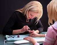 Школа мастеров маникюра и наращивания ногтей. Есть пробные занятия.
