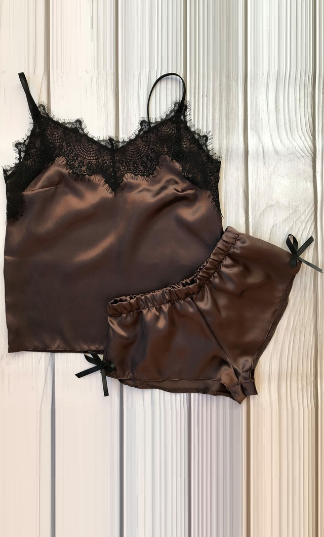 Красивая атласная пижама коричневая АТ-1063