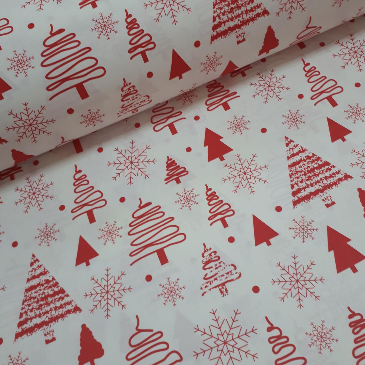 Ткань новогодняя хлопковая, красные елочки и снежинки на белом