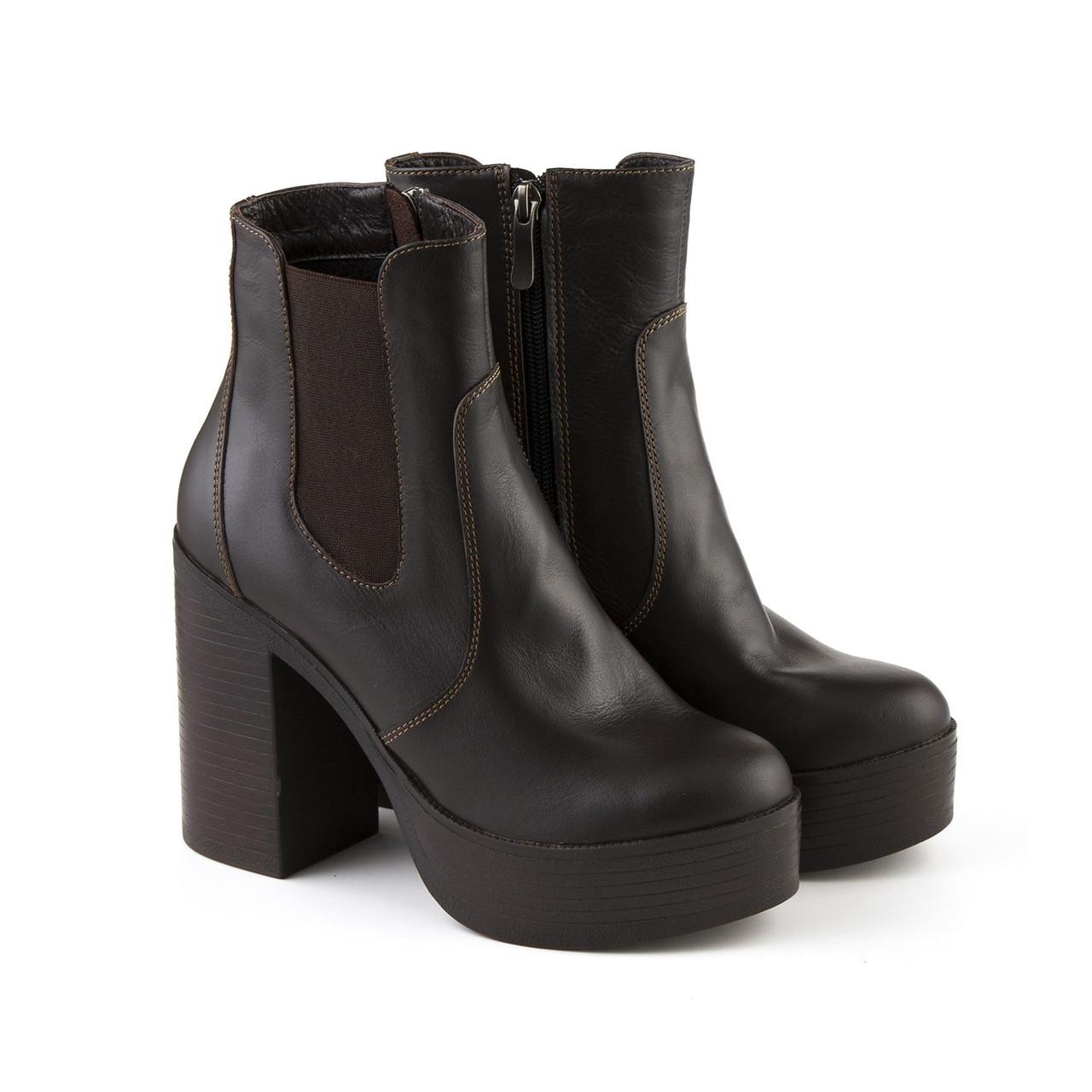 Кожаные женские ботинки коричневого цвета на резинке размер 39