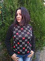 Трикотажная женская кофта с принтом сердечки молодежная