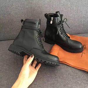 Стильные зимние ботинки. Цвет черный