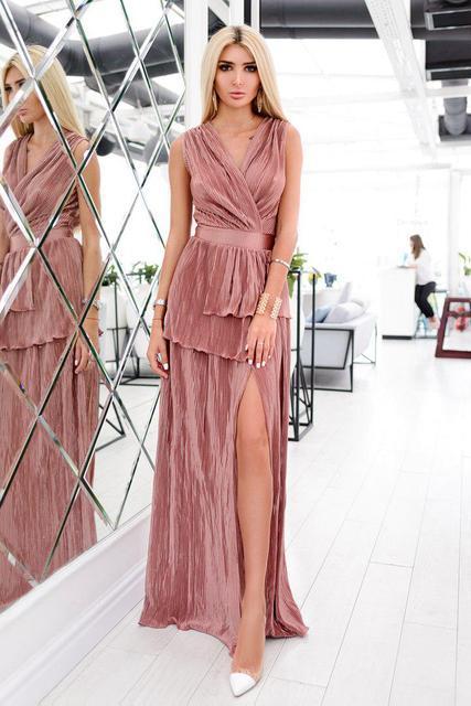 852be8b4326 Вечернее длинное платье с глубоким декольте и разрезом сбоку (К24314) -  DESEO BOUTIQUE.