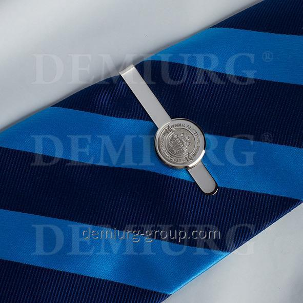 Стильный зажим для галстука