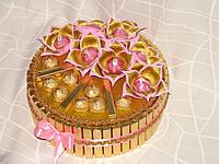 """Рождественский торт из золотого шоколада """"Розовые самоцветы"""""""