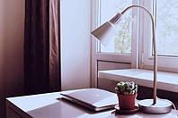 Як правильно вибрати настільну лампу?