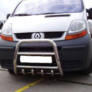 Защитная дуга (кенгурятник) Renault Trafic