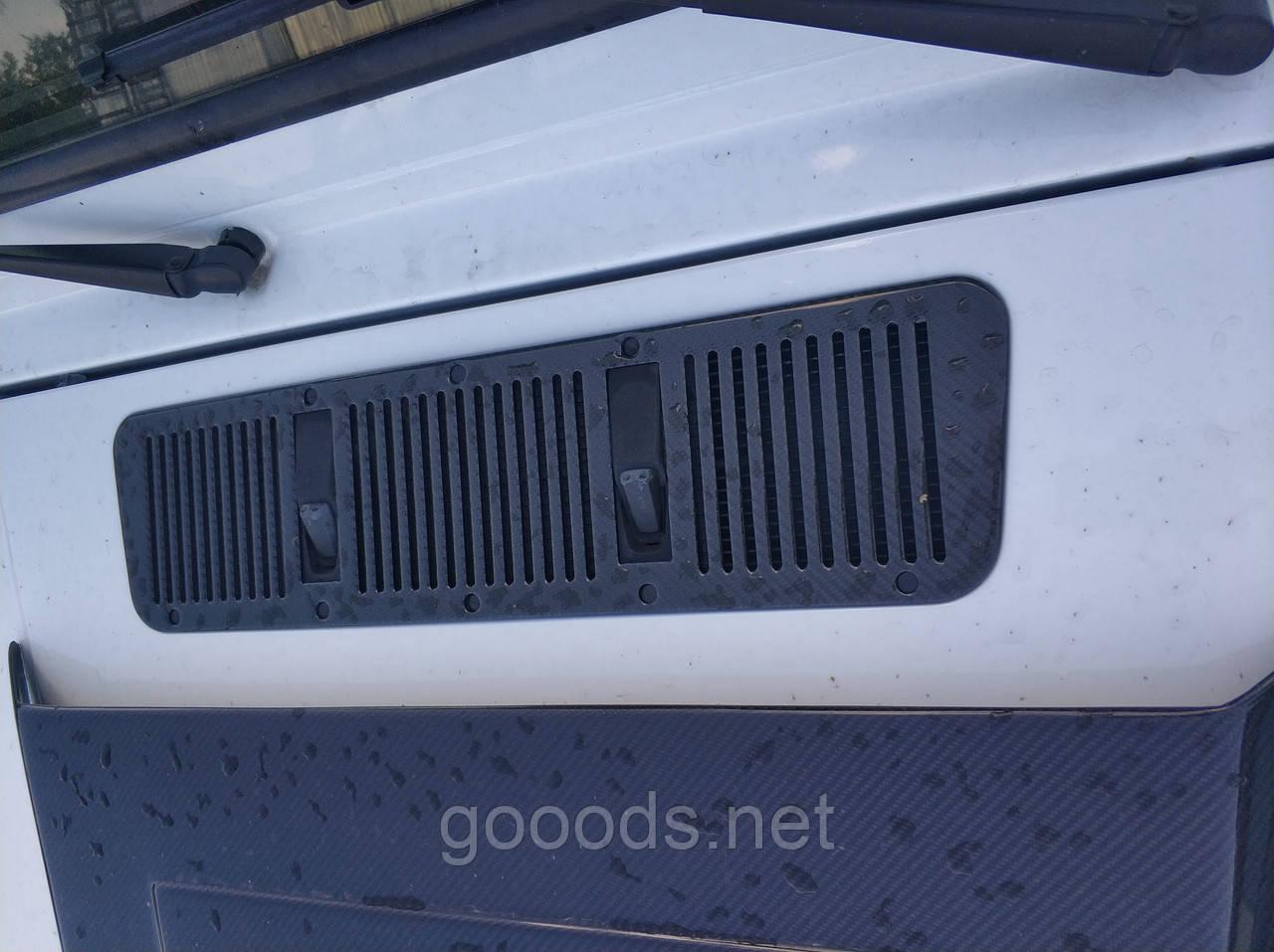 Накладка воздухозаборника капота на Mercedes G-Class, карбоновая