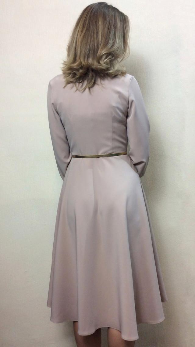 Песочное платье  полуклеш с пышным рукавом П227