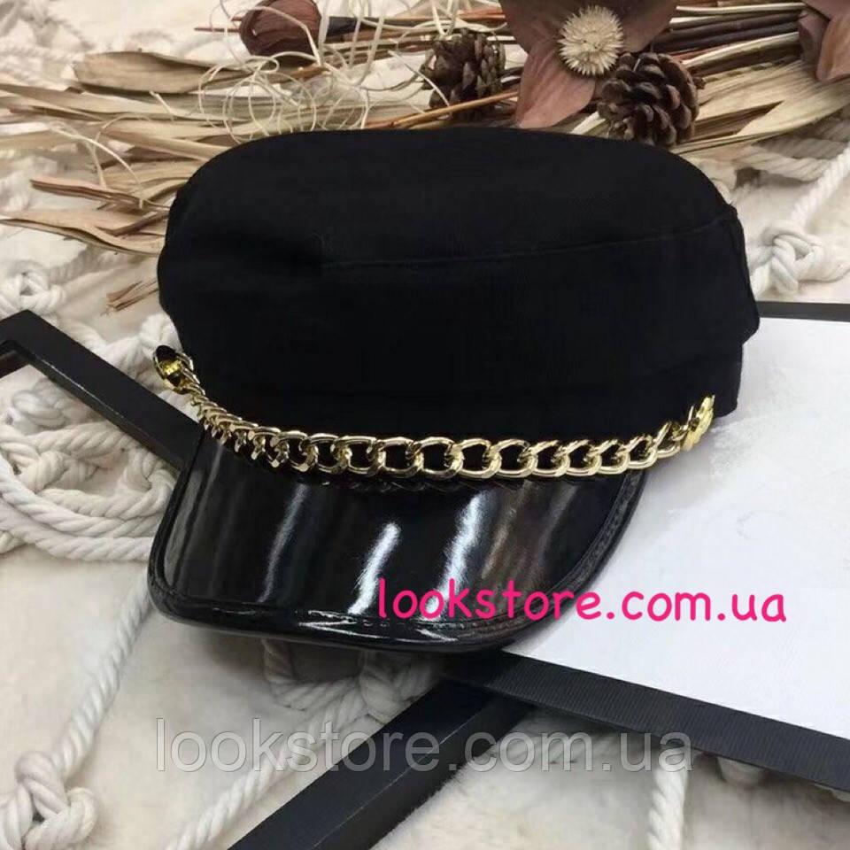 Женский картуз, кепи, фуражка с золотистой цепью и лаковым козырьком черный