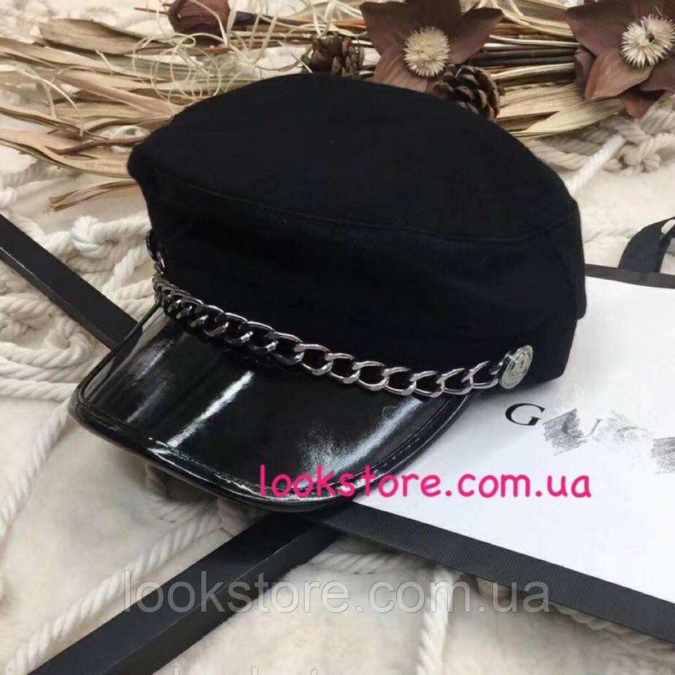 Женский картуз, кепи, фуражка с серебристой цепью и лаковым козырьком черный