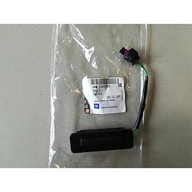 Кнопка (концевой микровыключатель) открывания задней откидной двери GM 13597499 OPEL Insignia-A ESTATE F35