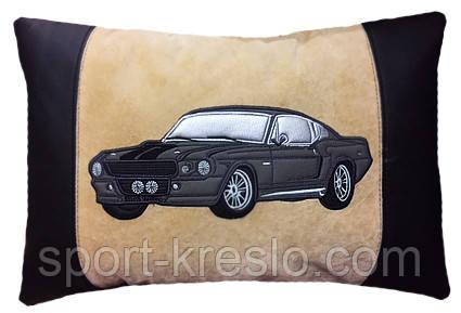 Автомобильная подушка с вышивкой силуэта Вашего авто