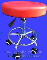 Стул для мастера маникюра , педикюра и парикмахера без спинки красный , имеется брак окрашивания сидения.
