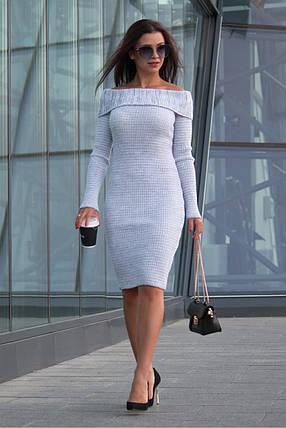 Однотонное вязаное платье по фигуре Ксюша белый меланж, фото 2