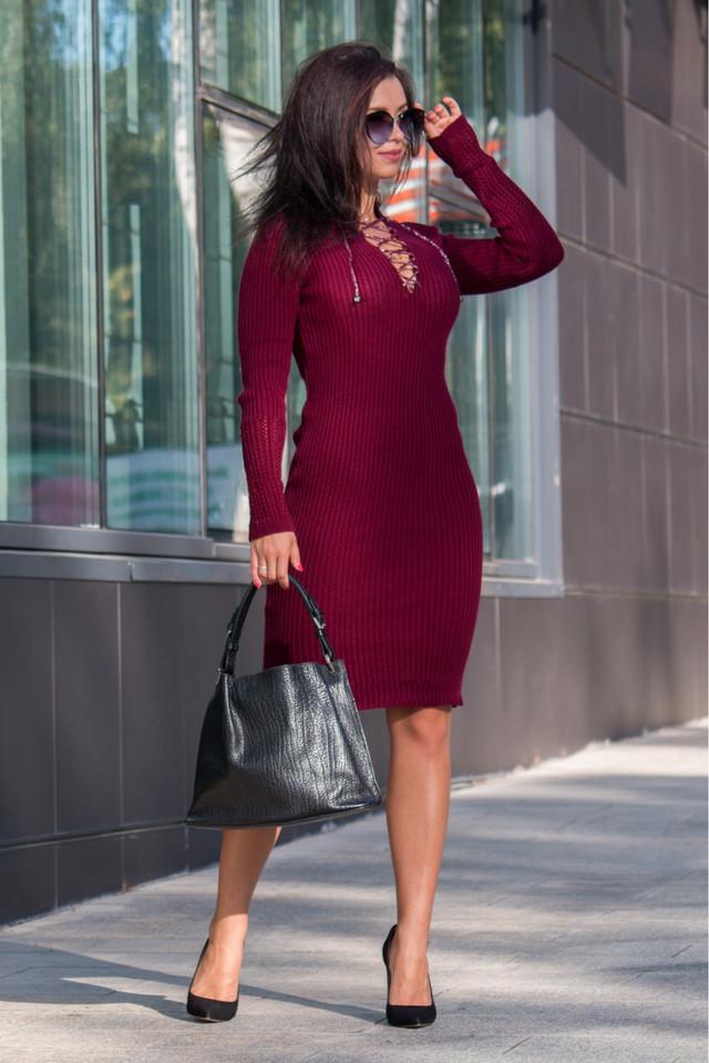 Вязаное платье миди по фигуре Риана марсала