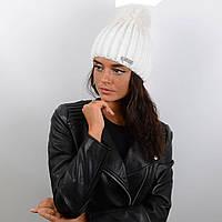 e7aafeda6 Красивая женская вязаная шапка с натуральным меховым помпоном 13097 белый